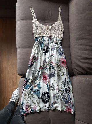 vestido de flores talla M