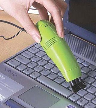 Mini aspiradora para ordenador. USB