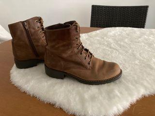 Clarks botines de piel