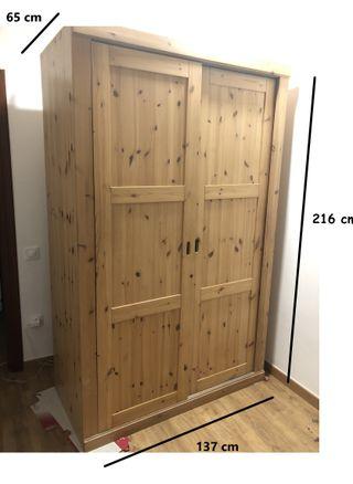 ARMARIO de pino, puertas correderas, 2,1*1,37*0,65