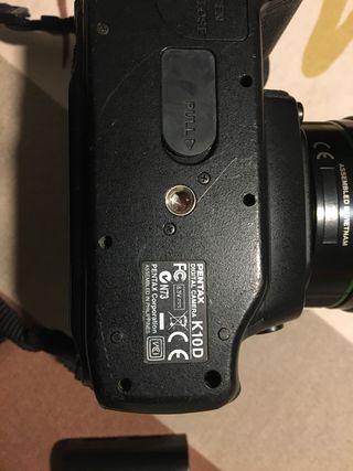 Pentax K10D con tres objetivos y mochila acondic