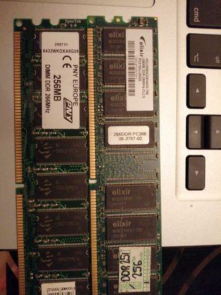 Se venden 2 DIMM DDR 256MB 266MHZ