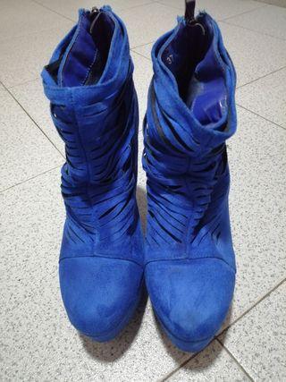 botín azul piel