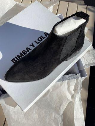 Botines chealsea negros de piel Bimba y Lola 37.