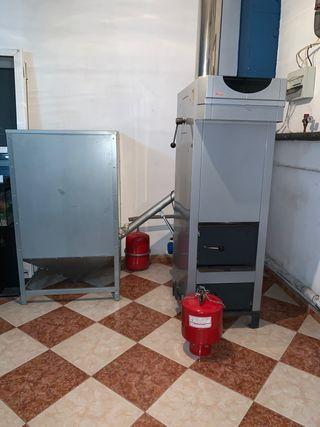 Caldera de calefacción biomasa