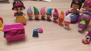 Muñecos de PinyPon y Regalo la casa de los cuentos