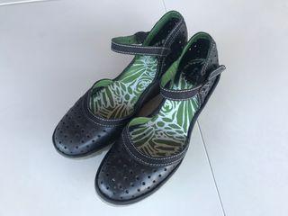 Zapatos Sandalias de piel Fly London
