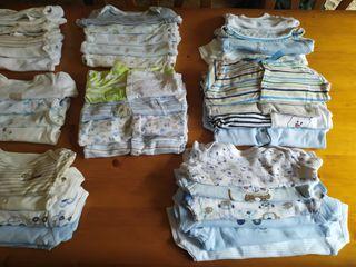 Lote Bodys y Pijamas de bebé.