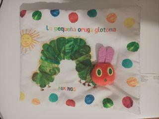 Libro tela La pequeña oruga glotona