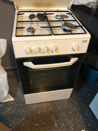 Cocina de gas y horno Beko