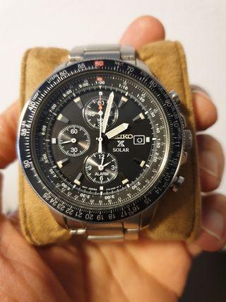 Reloj Seiko V172-0AC0, solar, 44mm.