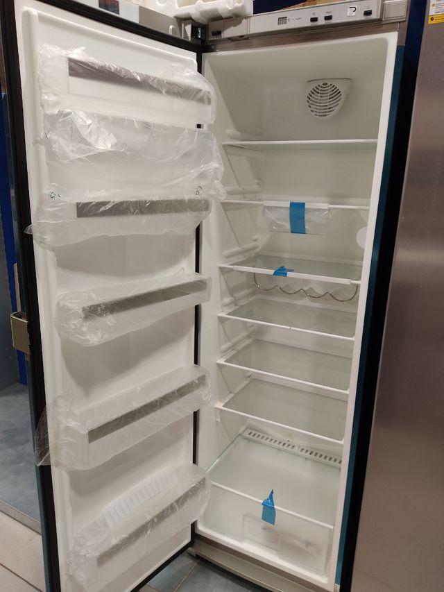 Frigorífico y congelador Siemens nuevos