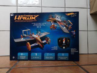Coche-avión de control remoto HOT WHEELS