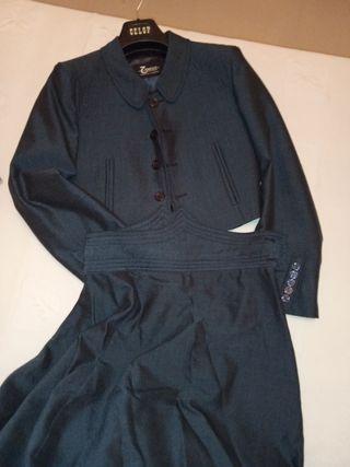 falda y chaqueta de amazona
