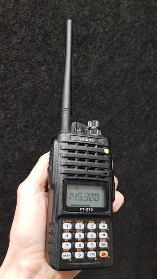 Walkie Talkie VHF FM YAESU FT-270