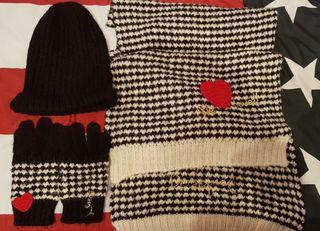 Conjunto bufanda y guantes Desigual