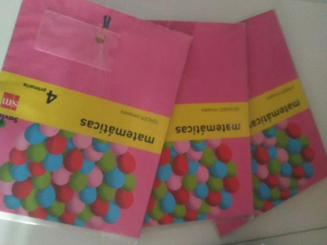 Libros escolares Matemáticas Cuarto Primaria