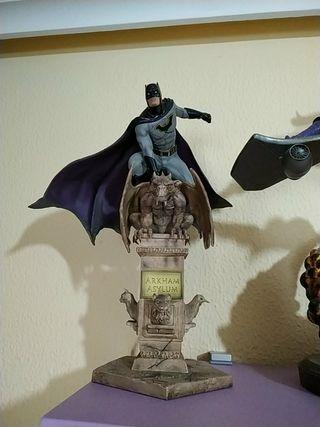 Batman DC Comics Deluxe Art Scale Statue 1/10