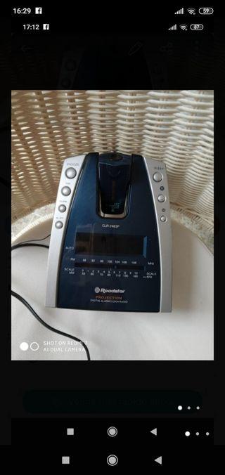 radio reloj y proyector ROADSTAR