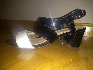 Sandalias tacón blanco y negro