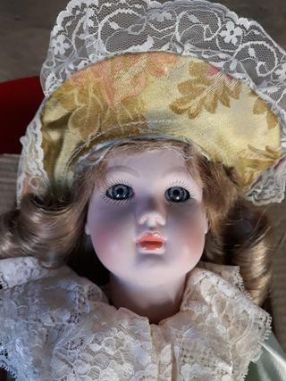 Muñeca porcelana Ramón Inglés