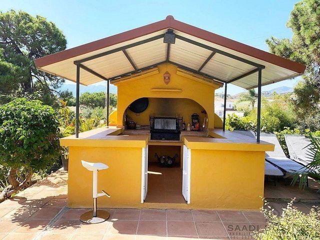 Chalet en alquiler en Elviria en Marbella