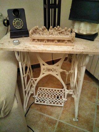 pies,mesa máquina coser Antigua, vintage