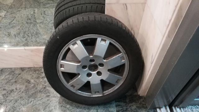 vendo tres llantas de Ford mondeo dos en aluminio