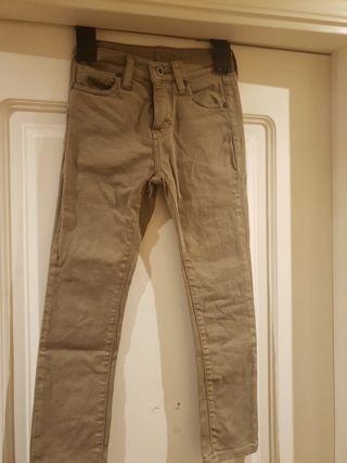 Pantalón marrón claro
