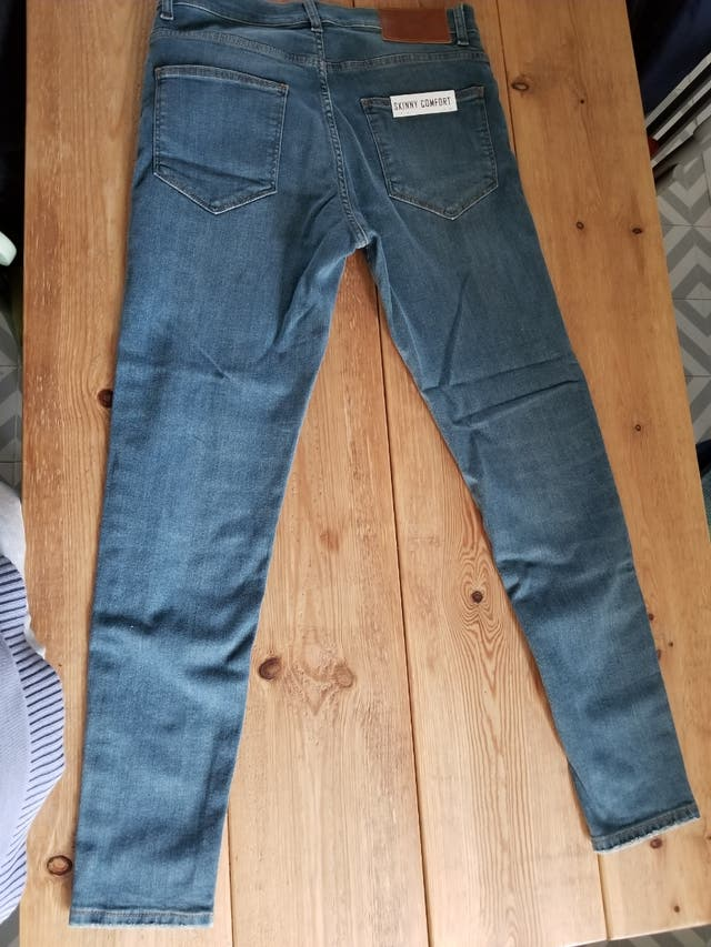 Pantalon De Jean Zara Man Tejano De Hombre De Segunda Mano Por 25 En Barcelona En Wallapop