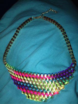 Collar multicolores