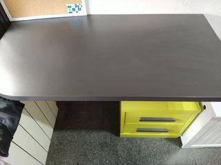 mesa escritorio cajonera negro y verde lima
