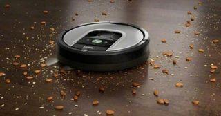 iRobot Roomba 960 Robot Vacuum Cleaner, WiFi Conne