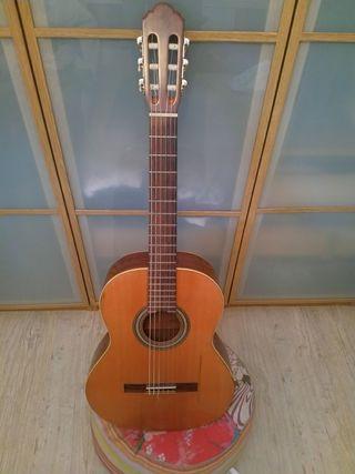Guitarra Alhambra 2C + Funda acolchada