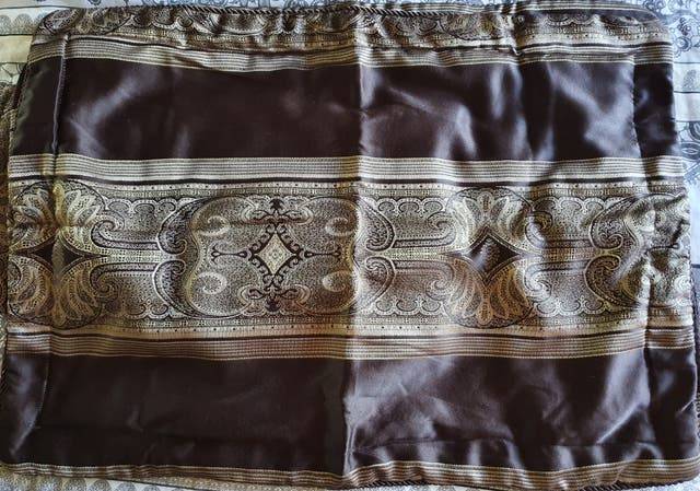 Pure Silk Bed Throw & Oxford Pillow Case