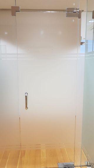 Puertas de paso de vidrio templado 10 mm.