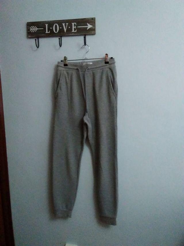 Pantalon Jogger Bershka De Segunda Mano Por 5 En El Entrego En Wallapop
