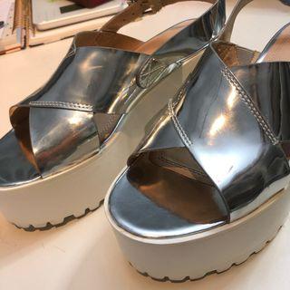 Sandalias de plataforma plateadas