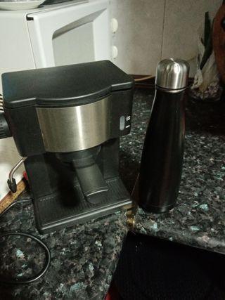 Cafetera y termo