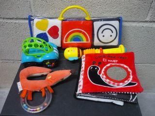 Lote juguetes bebé - Sonajero libro tela