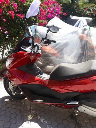la moto Honda es nuevo 632866092