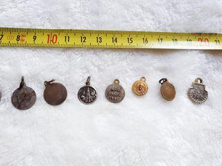 Medallas pequeñas antiguas