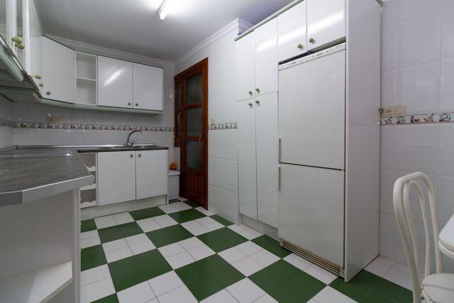 Piso alquiler larga temporada Plaza del Señorio (Alcaucín, Málaga)