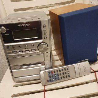mini cadena con CD, Radio,Grabador.