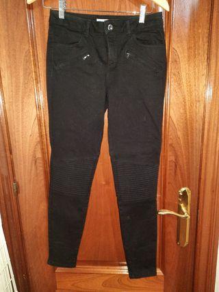 Pantalón denim negro de zara