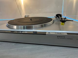 Tocadiscos Sanyo TP-1400 made in Japón