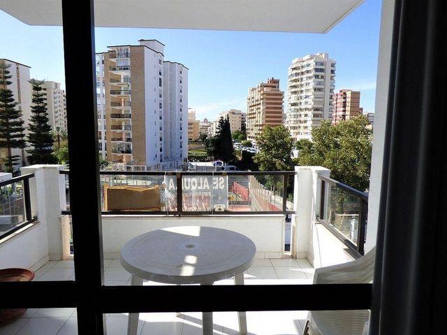 Piso en alquiler en Los Boliches en Fuengirola (Alcaucín, Málaga)