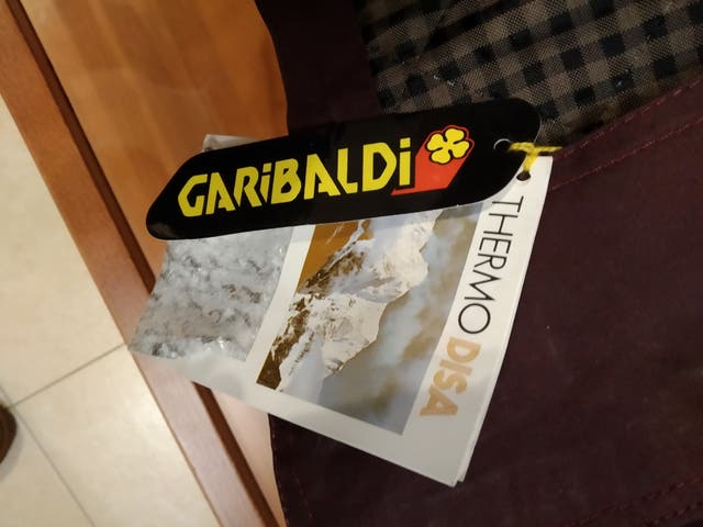CAZADORA GARIBALDI
