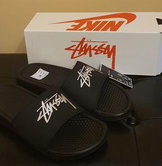 Chanclas Nike x Stüssy Negras