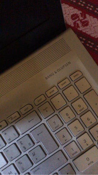 Portatil HP ENVY 17 notebook i7 1tb de duro, 8ram.